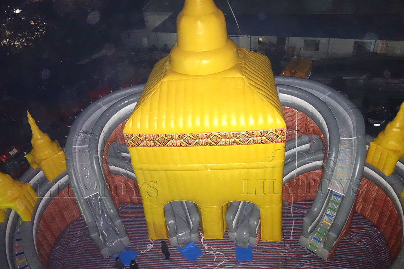 Customized inflatable palace water park
