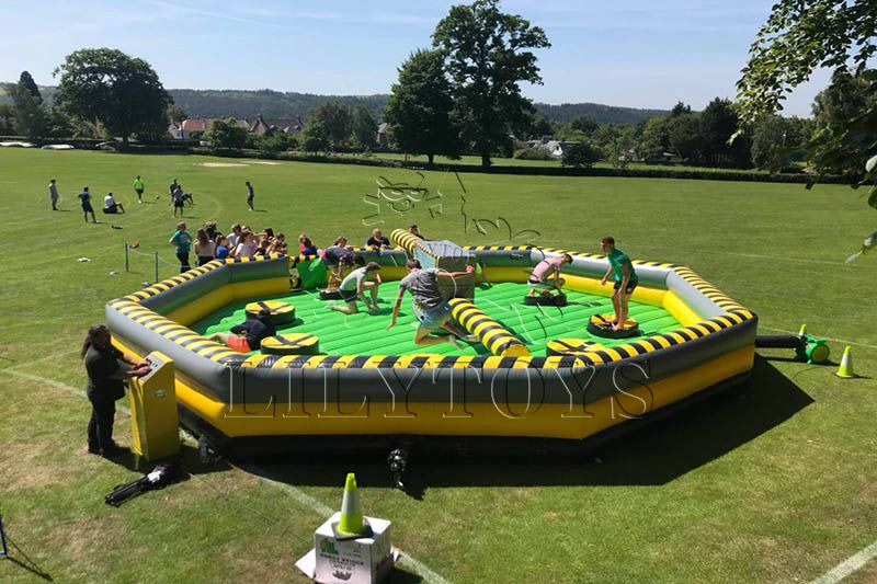 Lilytoys hot selling crazy challenge inflatable interactive wipeout game for kids and adult