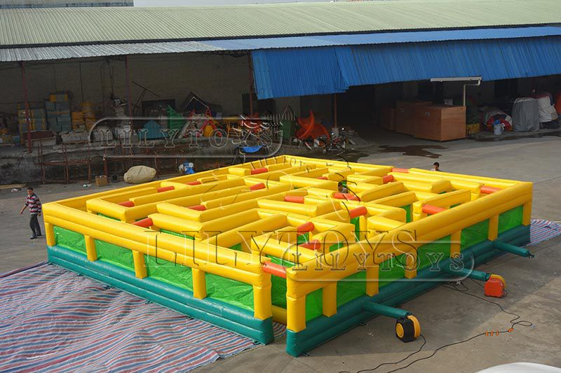 Tarpaulin pvc Customize Size 10*10m Inflatable interactive game inflatable Maze Arena Large Inflatable  Tag Maze carnival playground