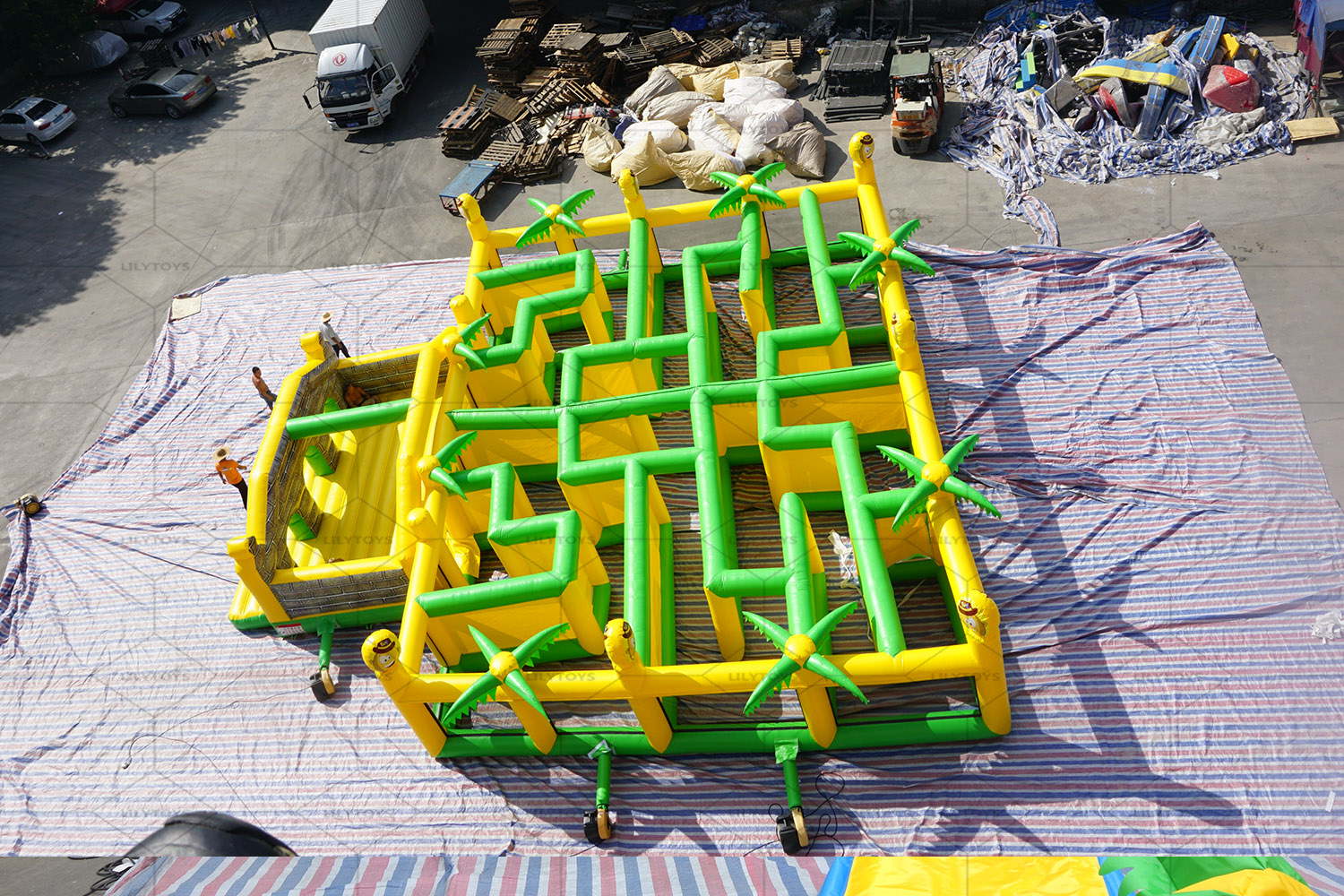 inflatable tropical maze