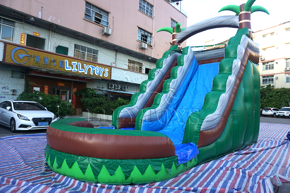 High quality inflatable water slide with tree
