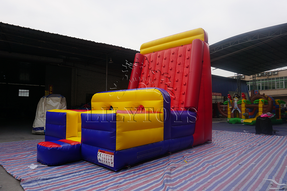 climbing ball with obstacle