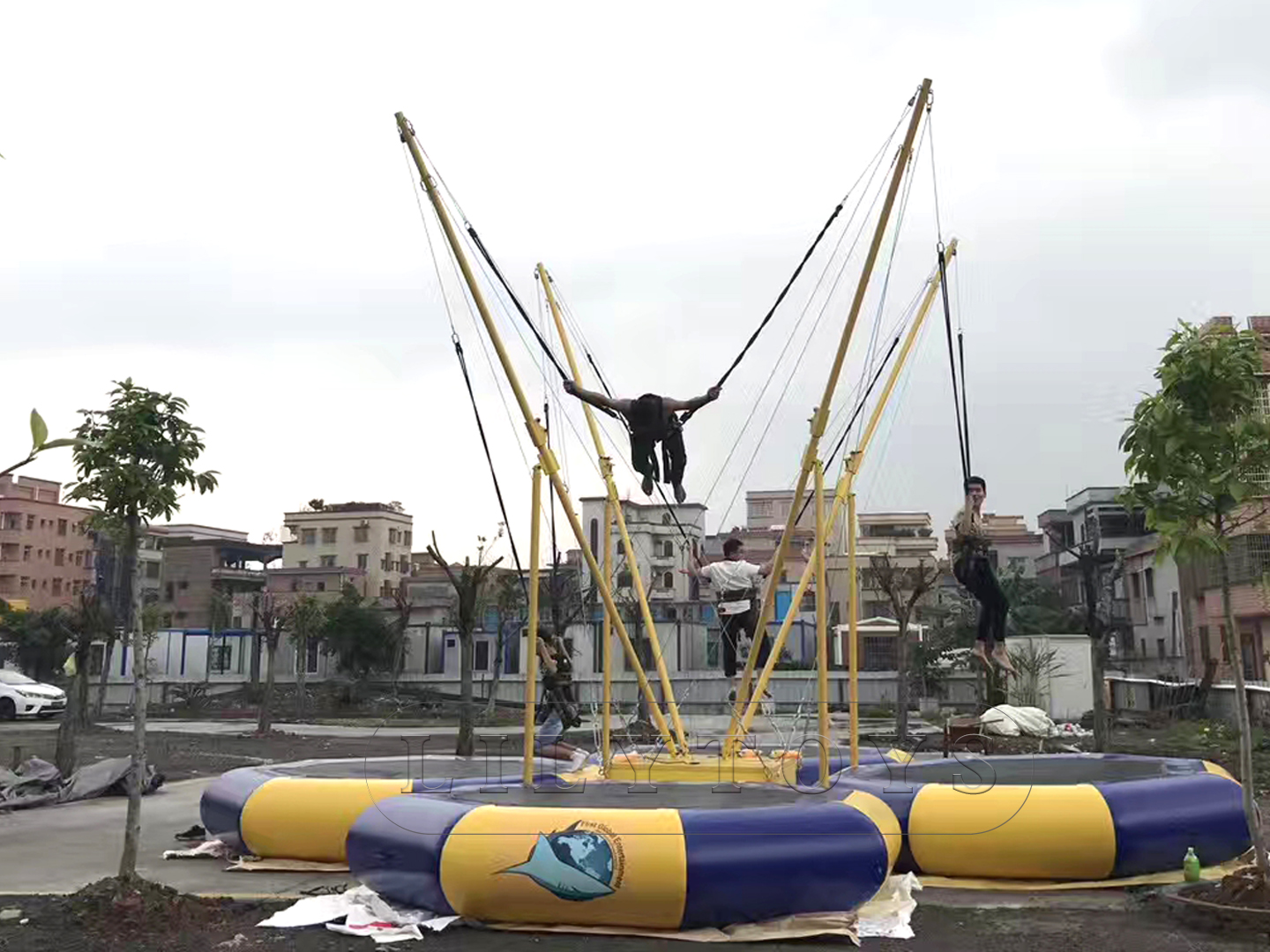 4 person jumping trampoline