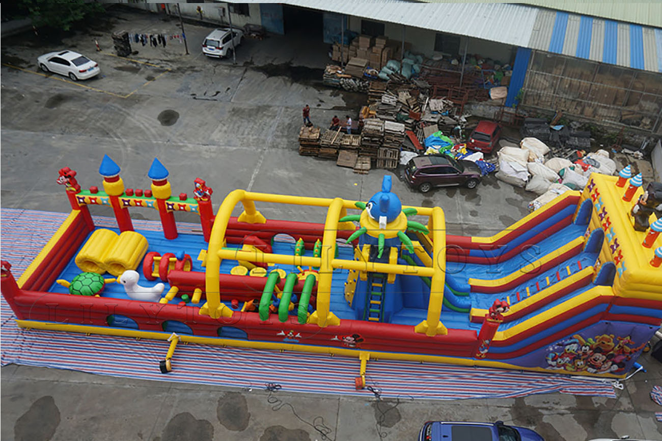 kids obstacle with slide and bounce