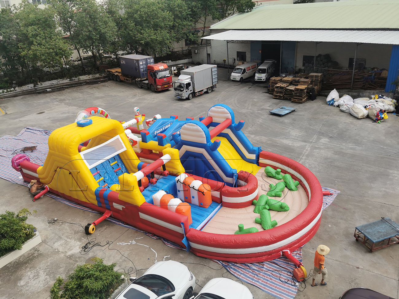 New giant obstacle course inflatable for rentals