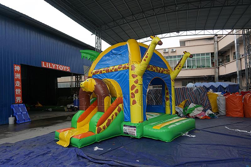 girafee inflatable castle combo