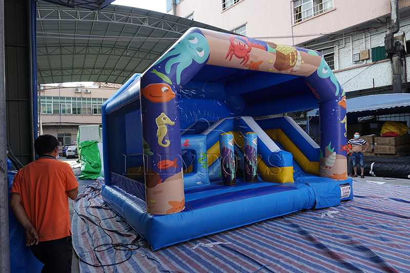 sea world inflatable jumping castle with roof