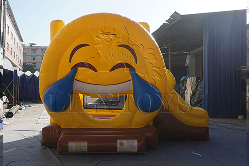 Emoji inflatable bounce house for jumping