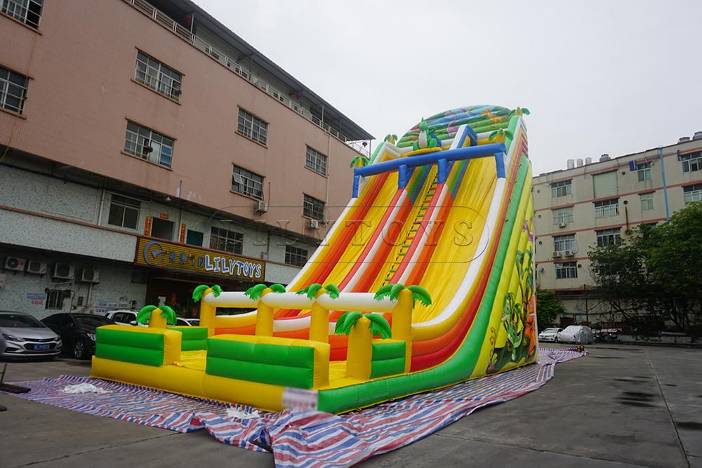 giant high inflatable slide