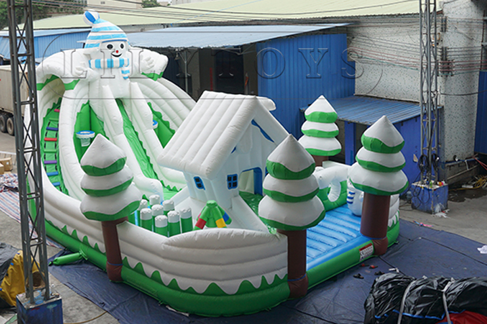 giant inflatable snow bounce playground