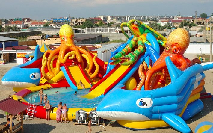 giant inflatable water park with ocpotus
