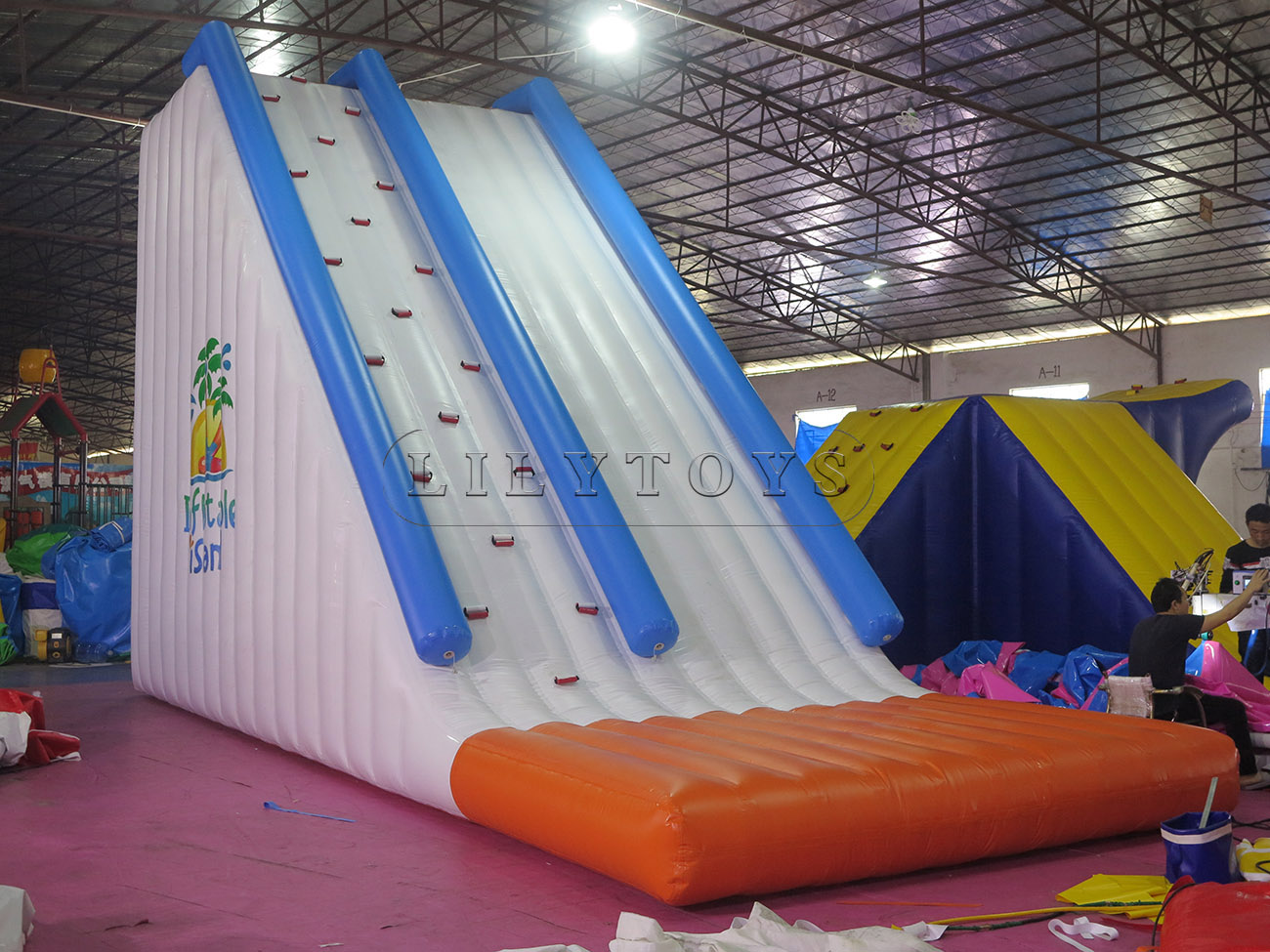 inflatable water park (25)