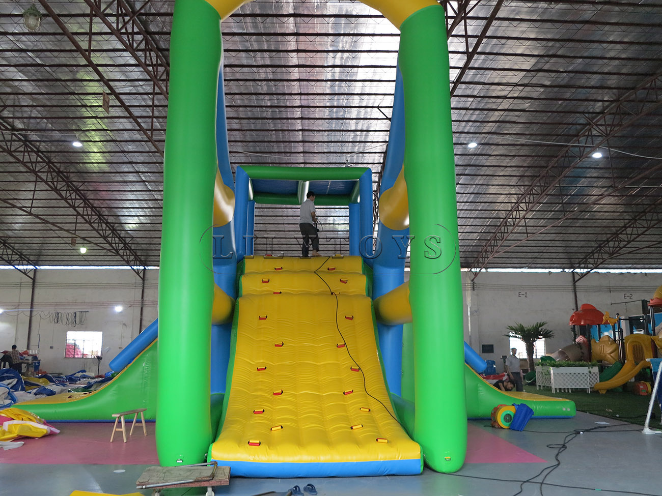 inflatable water park (31)