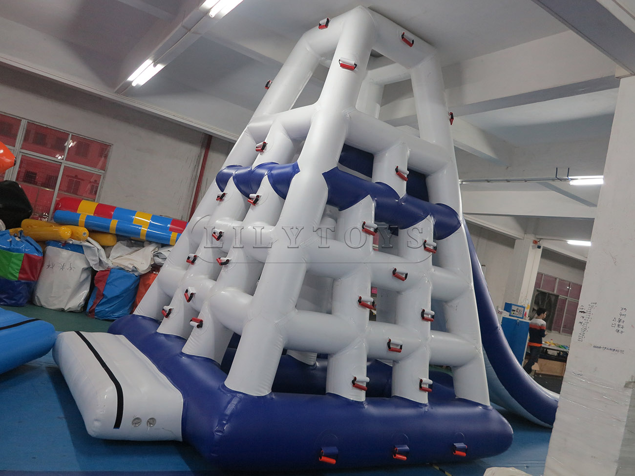 inflatable water park (75)