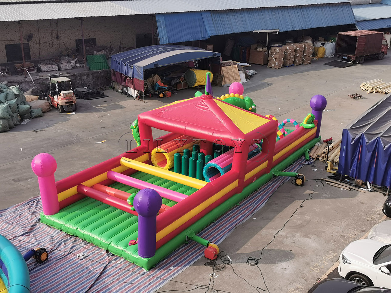 chameleon inflatable obstacle bouncer