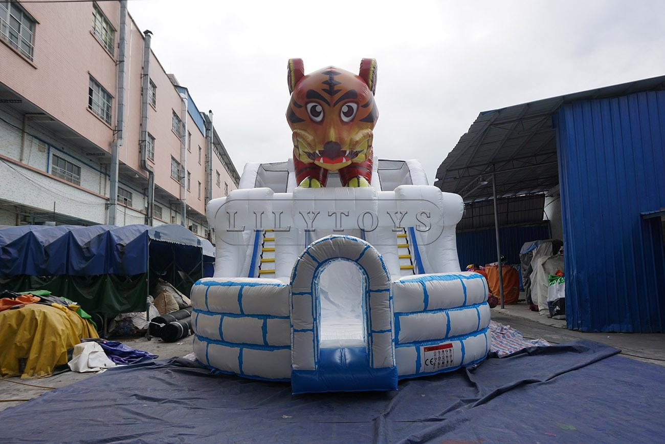 Little Tiger Christmas Inflatable Slide