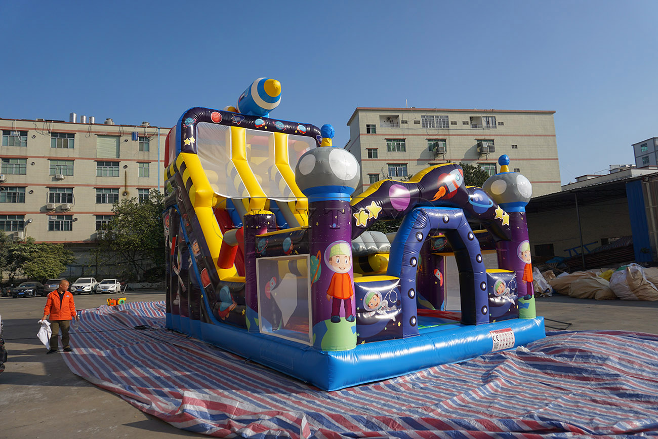 Inflatable Children Giant Spacewalk Inflatable Dry Slide