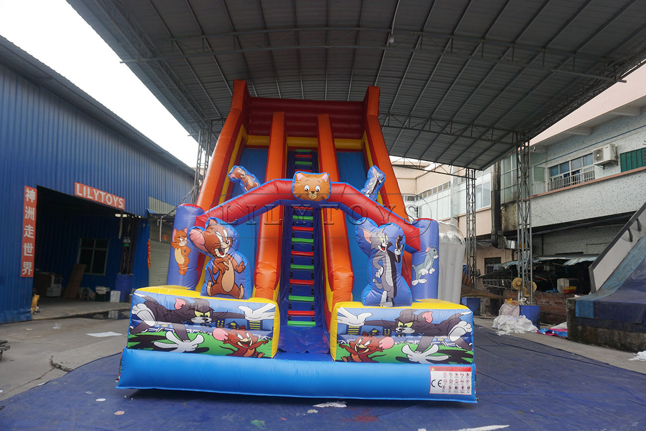 Inflatable Tom And Jerry Giant Slide