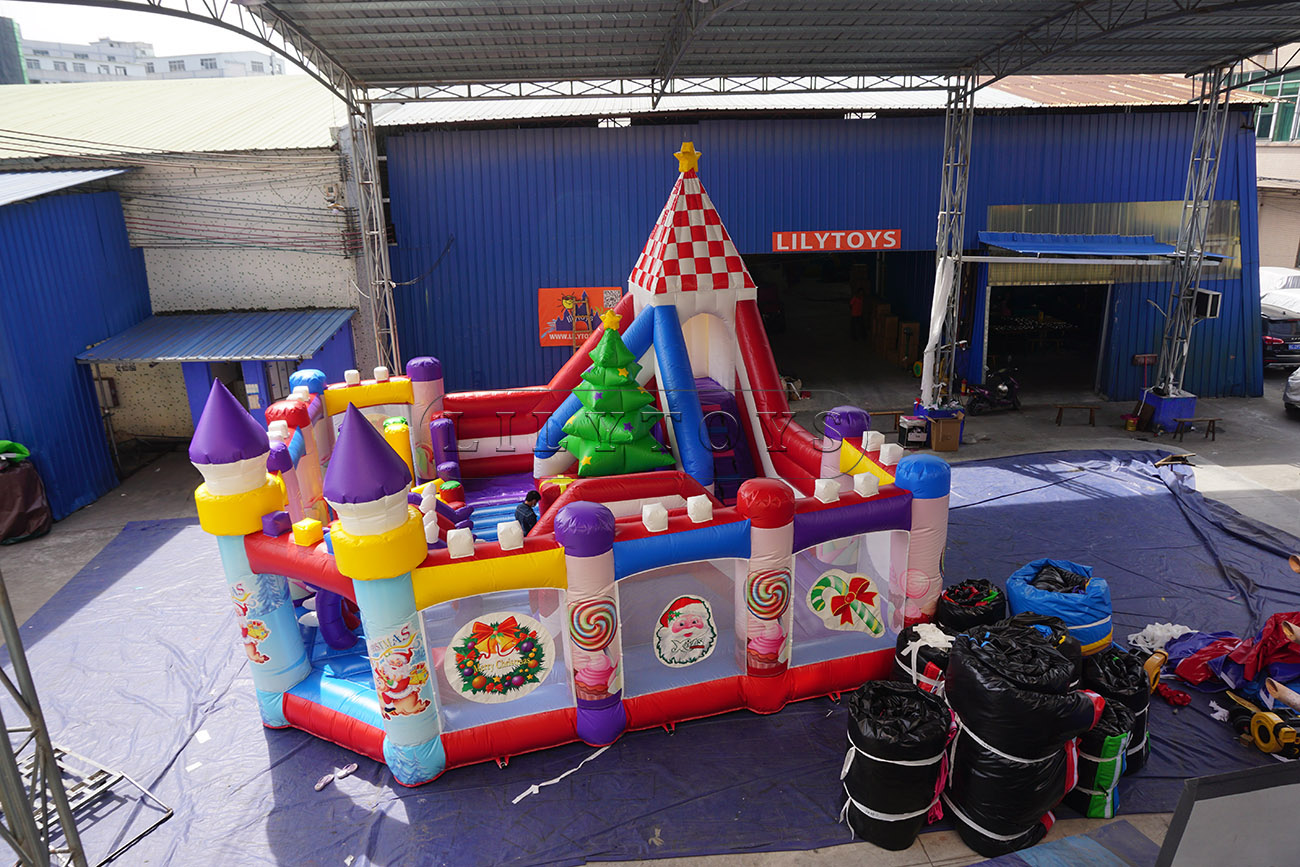 inflatable Christmas bouncy castle festival inflatable gift